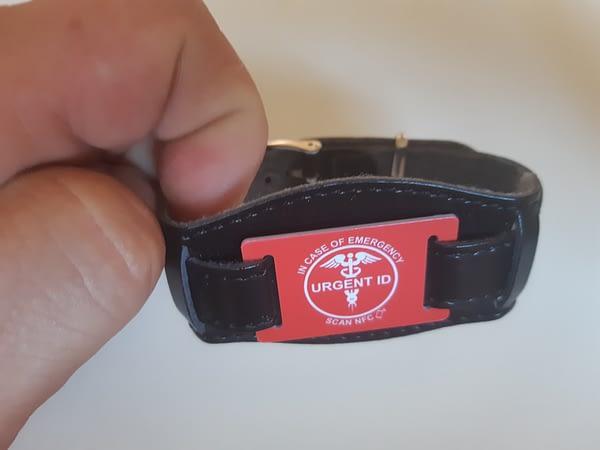 URGENT ID náramek - barexový pásek černý